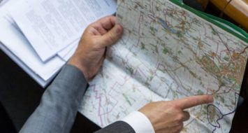 Що буде з районними радами та районними державними адміністрації після формування нових районнів?